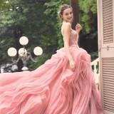 館内には専用のドレスサロンを設置。豊富に揃うドレスは、すべての当館のためにセレクトされたものばかり