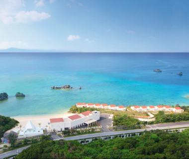 全てがオーシャンフロント。ウエディングのためだけの施設、アイネス ヴィラノッツェ 沖縄。