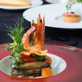 季節の食材を贅沢につかった数々のお料理はおふたりに華を添えます