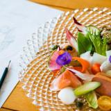 1st Hors-d'œuvre/彩りオードブルの菜園風   シェフたちが熟練の技術を駆使して仕上げる数々の料理は、華やかな盛り付けでより特別な日を演出