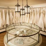 国内外からコレクションしたウエディングドレスは厳しい基準で選ばれたワンランク上の1点もの