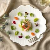 海鮮や野菜の鮮度には特にこだわり、鮮やかなお料理を創り上げる