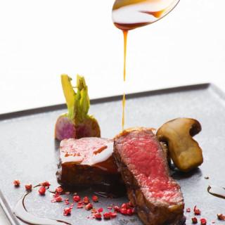 オープンキッチン併設で出来立てのお料理をサーブ!!贅沢国産牛&オマール海老の無料試食をご用意♪