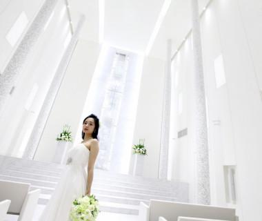 永遠の愛を誓う純白のステージ