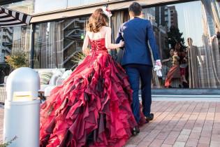 再入場はサプライズで…|8G Horie RiverTerrace Weddingの写真(1310041)