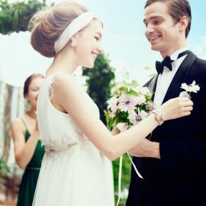 他とは違った式にしたい! そんな新郎新婦様におススメのテラス挙式☆ 都会ではなかなかできないからこそゲストの記憶にも一生残るはず・・・|8G Horie RiverTerrace Weddingの写真(904784)