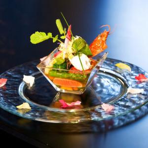 ゲストがもっとも楽しみにしているものの一つは料理ではないでしょうか?フィンチではお二人ではなくゲストがお選びいただける選べる3コースをご準備しています|FINCH OF AMAZING DINERの写真(306685)