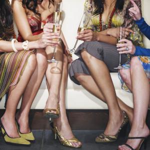 まるで海外のおしゃれなパーティーのようなこの一枚中には案内状のデザインとしてお使いいただいているお客様をいらっしゃいます|FINCH OF AMAZING DINERの写真(306706)