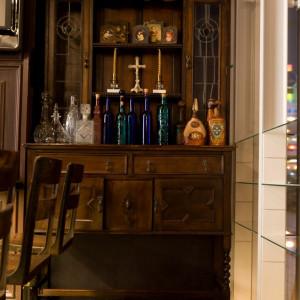 店内様々なアンティーク家具に囲まれて撮影ポイントも多く、思い出のお写真を残すことができます|FINCH OF AMAZING DINERの写真(306752)
