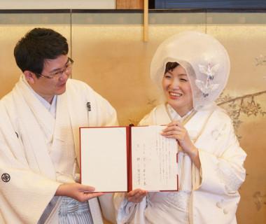 宴内人前式「結婚誓約書に署名されたワンシーン」です!列席の皆様に承認していただく瞬間です。