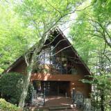 森のホール外観