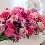 紫を基調に、落ち着いた大人可愛いお花で。