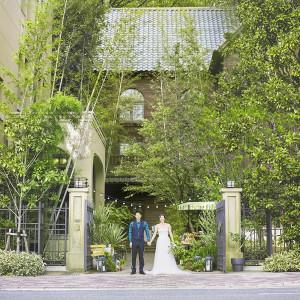駅から徒歩1分!京都の中心にありながらも緑あふれる空間