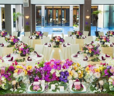 リゾートをテーマに装花もアレンジし、異空間を演出します!