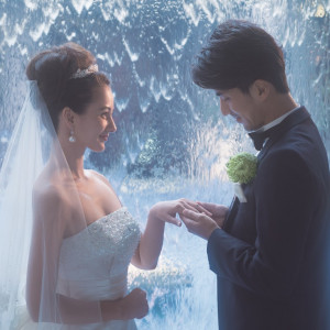 光と水に囲まれた神聖な空間で指輪交換、人生に1度の特別な時間|アイランドヒルズ迎賓館佐賀の写真(1319840)