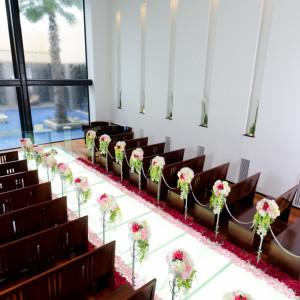 光のバージンロードとウォーターカーテンの明るいチャペル|アイランドヒルズ迎賓館佐賀の写真(262933)