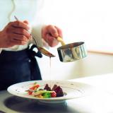 地場食材の彩りを大切に、仕上げる一皿は、ブライダルフェアで試食が出来る!