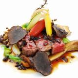 A5ランク栃木和牛のロティ 地場野菜のジャルディニエール ソースペリグー 最高級ペリゴール産トリュフを添えて