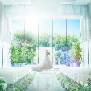 18mもの長さを誇るバージンロード|シャルマンシーナ 東京(CHARMANT SCENA TOKYO)の写真(3298419)