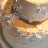 オリジナル生ケーキ。 お打合せにてお二人とご一緒に内容を決定します。