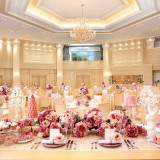 花嫁さんの衣装に合わせてたくさんのテーブルクロスから選び、お二人らしい会場にしましょう★