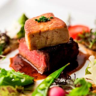 【婚礼料理を無料で試食!】「極上牛フィレ肉のフォアグラ添え &オマール海老のアメリケーヌソース」