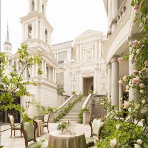 2階建ての高さもある大階段を利用してのフラワーシャワーも可|Neo Japanesque Wedding 百花籠  - ひゃっかろう -の写真(1677162)