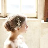 花嫁を彩るヘッドアイテムもトレンドのものが揃う