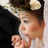 花嫁のこだわりに合わせながら、最大限に美しさを引き出すヘアメイクの魔法