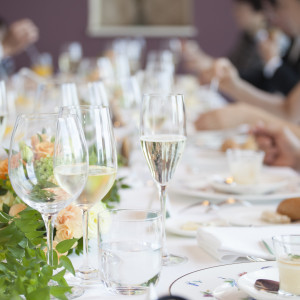 少人数で和やかなウェディングを希望のふたりには、【メッセージオ~婚姻式】で使用するお部屋で会食を|アンティカ・オステリア・デル・ポンテの写真(6021867)