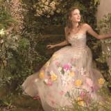 【TAKAMIBRIDAL】館内には専用のドレスサロンを設置。豊富に揃うドレスは、すべての当館のためにセレクトされたものばかり
