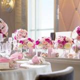 テーブルクロスやナフキン・お花の色味を揃えてコーディネートが出来るのも楽しい