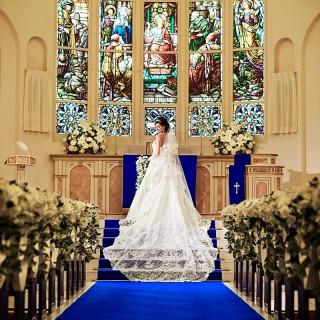 当日のご来館ご成約で「カラードレス1着無料」or「挙式料25万円が無料」を選んでお得に結婚式を叶えて