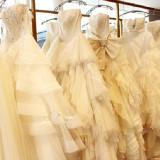 YOKO YAMASHIROプロデュースのドレスショップ!おふたりには専属のスタイリストがつき、お衣裳の打合せをさせていただいております!