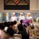 パーティ会場に併設されたオープンキッチンからは出来立てのお料理をご提供!ゲストの皆様も目で見て安心してお召し上がりいただけます♪