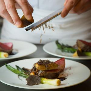 男性も女性も喜ぶメインのお肉料理!お肉の火入れやソースにもこだわった渾身の逸品|THE MARCUS SQUARE FUKUOKA アゴーラ福岡 山の上ホテル&スパの写真(1928997)