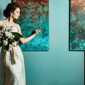 月日が経つにつれ美しく色を変化させる銅のように「月日を重ね成熟していく夫婦に」青銅色の装飾が|アカガネリゾート京都東山(AKAGANE RESORT KYOTO HIGASHIYAMA)の写真(3998732)