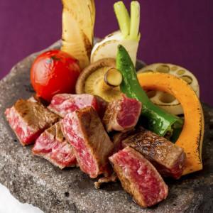 A5ランクの和牛を使用した、素材と調理法にこだわった五感で楽しむ現代的和食
