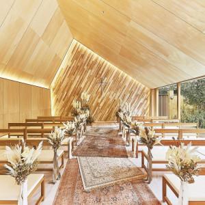 天井まで木に囲まれたシンプルな空間はナチュラルな雰囲気 THE SEASON'Sの写真(4572381)