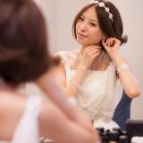 女性の美しさをより強調できるイヤリングも大切