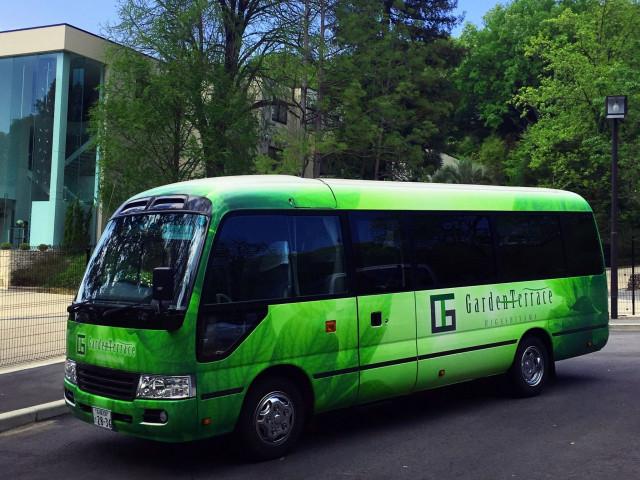 【アクセスも安心】無料の送迎バス&会場隣接の専用駐車場