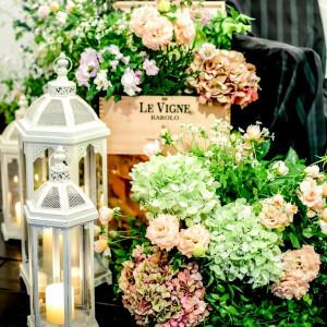 キャンドルとお花を組み合わせた、印象的でおしゃれなコーディネート☆|ブランシュメゾンの写真(1039743)