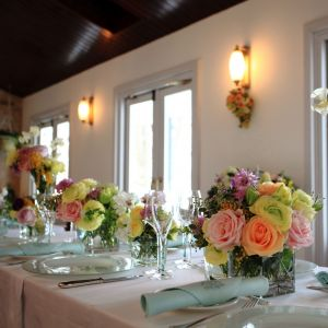 バラをあしらったテーブルコーディネート|ブランシュメゾンの写真(956261)