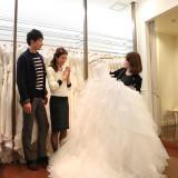 フォトジェニックなオリジナルのウエディングドレスから、有名ブランドのドレスまで多数ご用意。