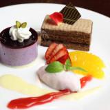 専属パティシエが腕を振るうデザート&ウェディングケーキはゲストから美味しいと好評。
