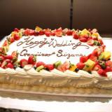 新鮮なフルーツやコクの深い生クリーム。素材にもこだわったウェディングケーキ。
