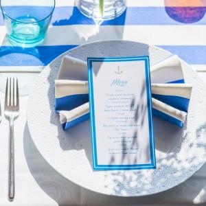 ナフキンや席札などのテーブルコーディネートも様々な色とデザインをご用意しております。|ヴォヤージュ ドゥ ルミエール ~Chatan Resort~の写真(1245144)