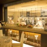会場内よりキッチンすべてが見渡せる『オールオープンキッチン』 迫力にゲストも喜んでくれるはず!!
