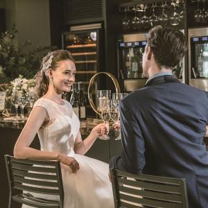32種類のワインや生ビールが楽しめる会場併設バーカウンター|HARMONIE SOLUNA表参道の写真(2630102)