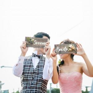 【前撮り:ロケーション】前撮り撮影には、ブーケやブートニア、ヘッドドレスなどもご用意しており、撮影アイテムもたくさんご用意しております!|Wedding Space Lover's Placeの写真(4023206)